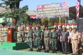 Di batas negara, tentara Indonesia-Malaysia gelar patroli bersama