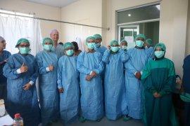 234 warga Maluku terdaftar operasi urologi gratis dokter Vlissingen
