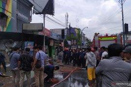 Kebakaran di Jalan Sekip Medan, 18 armada kebakaran dikerahkan