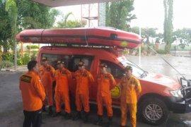 Tim SAR cari seorang anak tenggelam di Sungai Cimanuk Indramayu