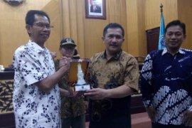 Ketua DPRD Surabaya paparkan pentingnya peran media massa