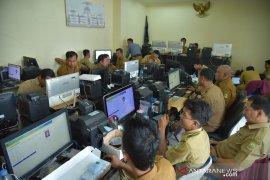 Terima 191.442 blangko, Kabupaten Bekasi mulai cetak massal KTP-E
