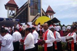 Belasan ribu wisatawan kunjungi Pulau Mansinam Manokwari