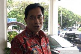 PDAM Kota Malang tidak putus aliran air pelanggan saat pemasangan pipa baru