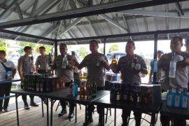 Polda Babel amankan 12.000 botol miras impor ilegal