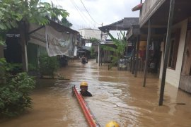PLN turns off electricity to save residents during floods