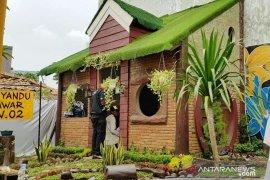 Indocement berikan CSR untuk ruang publik di Kampung B'denk Bogor