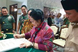 Resmikan Patung Soekarno, Megawati ucapkan terima kasih