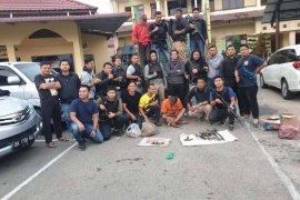 Hendak tusuk petugas, pelaku pembunuhan ditembak di Aceh Timur