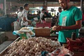 Harga bawang putih turun Rp10 ribu per kilogram di Banda Aceh