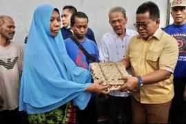 Pemko serahkan bantuan masa panik korban kebakaran di Banda Aceh