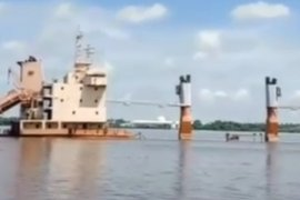 "Kapal barang ""Surya Pekik"" tenggelam di kalur Sungai Kapuas Pontianak"