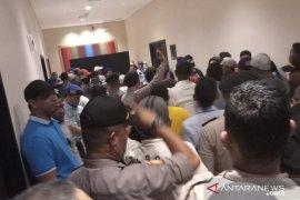Arena Kongres PAN ricuh, massa minta registrasi peserta  ditutup