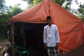 Belum jelas pembangunan Huntara, korban banjir Lebak bertahan di tenda pengungsian