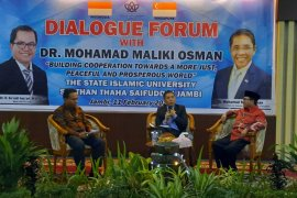 UIN Jambi diskusi bersama menteri senior  Singapura