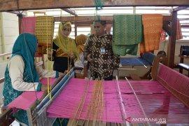 Bank Indonesia bantu usaha tenun songket