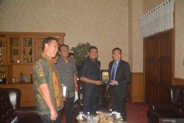 Audensi dengan Menteri Senior Singapura, Waka DPRD Promosikan Potensi Jambi