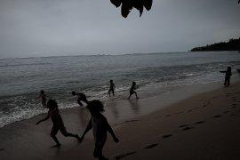 Waspada gelombang setinggi 4 meter di Papua-Papua Barat