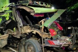 Konvoi truk sampah kecelakaan di Rawamangun