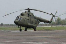 Polisi bantu TNI evakuasi bangkai helikopter MI-17
