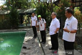 Obyek wisata  Air Panas Tanuhi terus dibenahi guna menarik jumlah pengunjung,