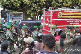 Rutan Kabanjahe Sumut ricuh, pasukan TNI dikerahkan