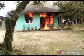 Orang gila dipasung di Kampar tewas terbakar