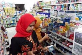 Di Kediri, petugas gabungan sidak toko perbelanjaan jelang Valentine