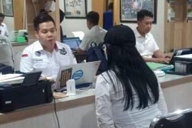 Negatif narkoba, polisi bebaskan tiga rekan Lucinta Luna