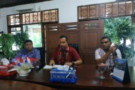 "Staf Labkes Dinkes Maluku ""kawal"" spesimen warga Tanimbar Selatan"