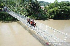 Kementerian PUPR kucurkan Rp710 miliar untuk ratusan jembatan gantung seluruh Indonesia
