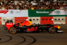 Tim F1 monitor risiko corona di Vietnam