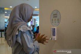 """Bandara Ngurah Rai sediakan 48 unit """"hand sanitizer"""" untuk penumpang"""