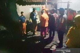Dua anak dikabarkan hanyut terbawa aliran sungai di Bandung