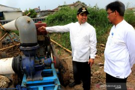 Wali KotaTangerang cek turap kali Leduk pascabanjir