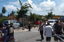Polres Bangka terjunkan polwan atur lalu lintas bagi jamaah sholat Jumat