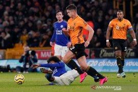 10 pemain Leicester bawa pulang satu poin