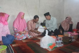 Pemkab Sidoarjo santuni keluarga korban tenggelam di Sungai Pucang