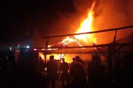 Pasar Sumani di Kabupaten Solok terbakar