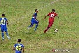 Persib tundukkan Persis 2-0 di laga persahabatan di Manahan Solo