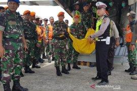 Jenazah korban kecelakaan Helikopter Mi-17 dilepas dengan upacara militer