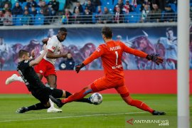 Leipzig rebut puncak ketika Leverkusen sodok empat besar