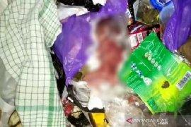 Warga geger dengan penemuan orok bayi di tempat pembuangan sampah