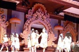 """Maestro Made Taro tampilkan permainan tradisional di """"Bulan Bahasa Bali"""""""