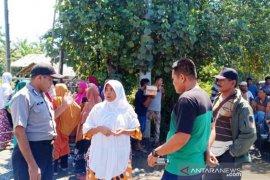 Warga pemilik tanah tutup akses pintu masuk PLTU 1-4 Nagan Raya