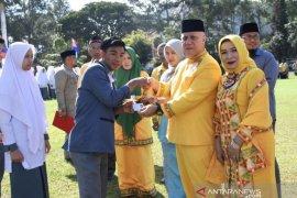 Pemkab Aceh Tengah serahkan 925 e-KTP untuk pelajar