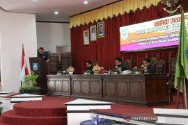Jawaban fraksi terhadap pendapat kepala daerah terkait dua raperda Inisiatif