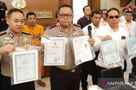 Polda Jatim tangkap pelaku pembuat dokumen palsu untuk Pilkada