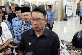 Gubernur Jawa Barat undang wali kota/bupati bahas Omnibus Law