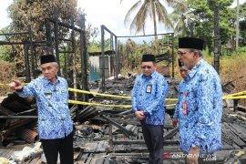 Bupati kunjungi korban kebakaran di Melayu Tengah